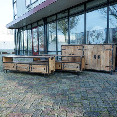 industrieel mangohouten tv-meubel tv dressoir met staal en 3 laden Hoog 55 cm, breed 180 cm en 40 cm diep14