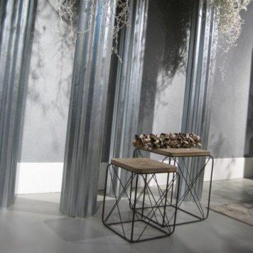 bijzet salontafel vierkant set van 2 bewerkt blad antraciet groen metaal hoog 50.5 cm breed 42 cm diep 42 cm9