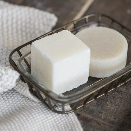 ib-laursen soap dish zeep schaaltje metaal en glas hoog 3.5 cm breed 14.5 cm diep 10.5 cm1