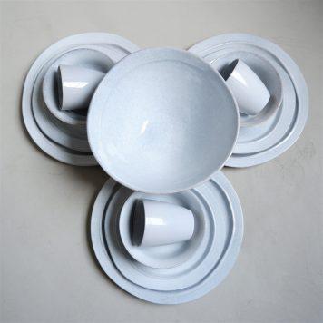 ib-laursen grey dunes dinerbord dinner plate stone ware hoog 3 cm diameter 28 cm en ontbijtbord en muesli bowl en mug en bowl large
