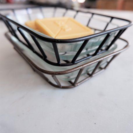 ib-laursen soap dish zeep schaaltje zwart metaal en glas hoog 3.5 cm breed 14.5 cm diep 10.5 cm1