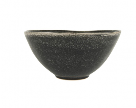 ib laursen salad bowl xl kom xl antique black dunes hoog 12 cm diameter 24 cm en beker met oor antique black dunes en muesli kom2