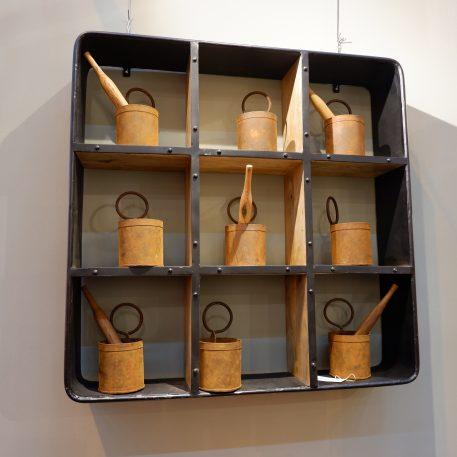 wandrek vierkant met 9 vakken wandkast vierkant zwart staal en mangohout hoog 90 cm breed 90 cm diep 18 cm1c
