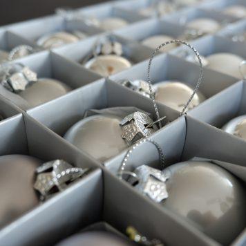 sia home fashion kerstballen grijs zilver wit diameter 4 cm 24 stuks