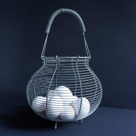 eiermand of uien en knoflook mand grijs metaal draad hoog 35 cm diameter 22,5 cm ib-laursen4
