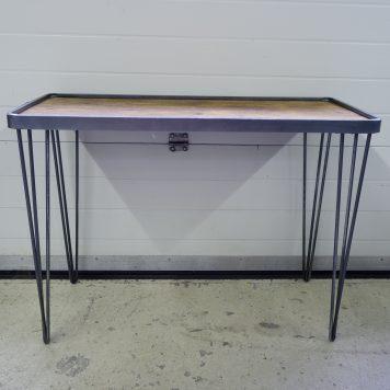 hairpin leg sidetable grijs metaal houten bovenblad hoog 75 cm breed 100 cm diep 40 cm