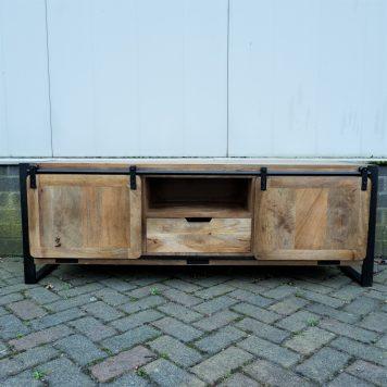 industrieel mangohouten tv dressoir tv meubel beau travail zwart staal 1 lade en 2 schuifdeur hoog 56 cm breed 160 cm diep 45 cm