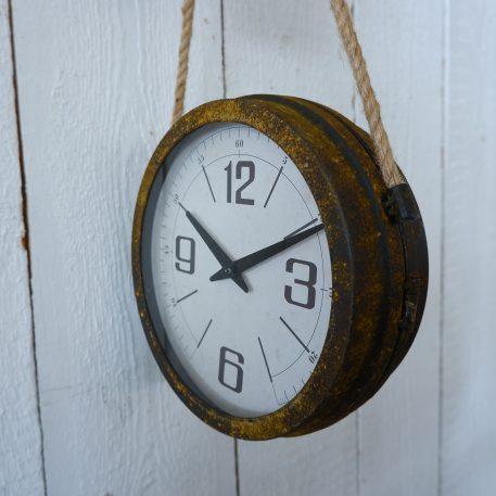 klok roest hangend aan katrol hoog 67 cm diameter klok 28 cm diep 31 cm1