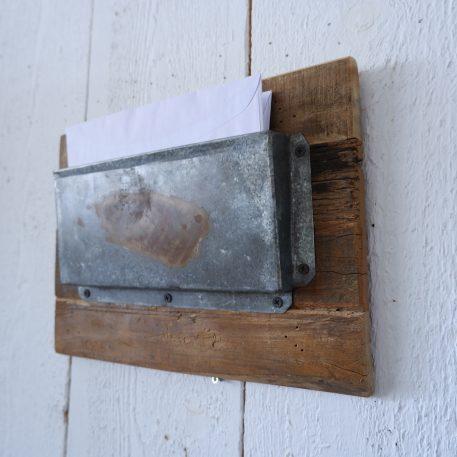 barnwood posthouder enkel aan de wand zink hoog 25 cm breed 35 cm diep 5.5 cm2