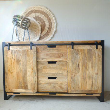beau travail dressoir mangohout zwart staal 2 schuifdeuren 3 lades hoog 90 cm breed 150 cm diep 40-45 cm 2 schuifdeuren 3 lades industriele meubelen1