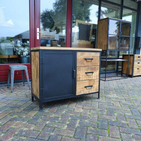 black iron dressoir 1 zwart stalen deur 3 lades mangohout hoog 80 cm breed 100 cm diep 41 cm industriele meubelen9