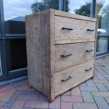 3 ladekast oud vergrijsd hout hoog 80 cm breed 80 cm diep 40 cm barnwood railway wood truckwood4