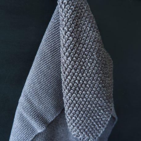 keuken handdoek gebreid grijs gemeleerd 40 x 60 cm en pannelap 22 x 22 cm 100% katoen mynte ib-laursen1