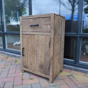 nachtkastje XL met lade en deur oud vergrijsd hout hoog 83 cm breed 53 cm diep 37 cm barnwood railway wood truckwood
