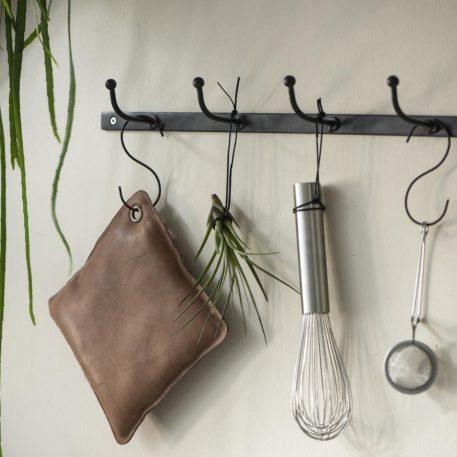 black factory metalen kapstok 5 haken breed 62.5 cm diep 8 cm ib laursen rack with 5 hooks3