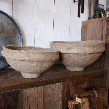 bowl of schaal van papier maché hoog hoog 29 cm en diameter 54 cm kleur klei van Ib-Laursen unique15