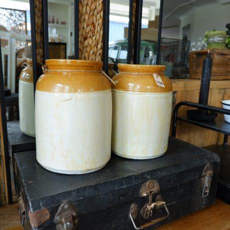 ceramic jar unique ib-laursen stenen pot oud wit oker gele rand hoog 27.5 cm diameter 20.5 cm