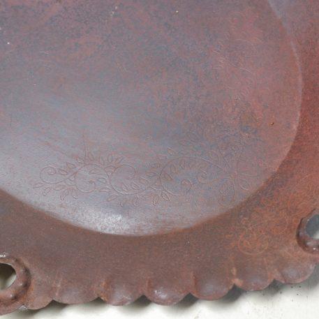 ijzeren oude schaal bruin metaal ovaal breed 52 cm diep 35 cm rand 3 cm hoog4