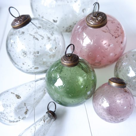 kerstbal-glas-metal-chips-roze-diameter-5.5-cm-clear-en-groen-diameter-7-cm-clear-en-roze-diameter-10-cm-clear-diameter-13.5-cm-ib-laursen-christmas-ornament-pebbled-glass2.jpg