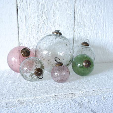 kerstbal glas metal chips roze diameter 5.5 cm clear en groen diameter 7 cm clear en roze diameter 10 cm clear diameter 13.5 cm ib-laursen christmas ornament pebbled glass3