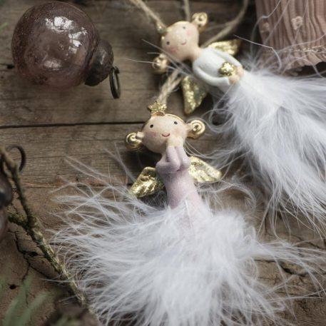ib-laursen christmas ornament angel feather polystone engel 2 varianten hoog 12 en 20 cm breed 4 cm hand beschilderd roze lijfje en witte veren3