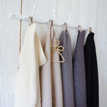 ib-laursen towel mynte knitted latte beige dark grey pure black dark frey melange keuken handdoek off white beige donker grijs donker grijs gemeleerd zwart gerstekorrel gebreid katoen 40 bij 60 cm