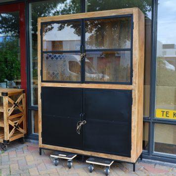 avions vitrinekast dubbele openslaande deuren mangohout en zwart staal hoog 183 cm breed 130 cm diep 41 cm1