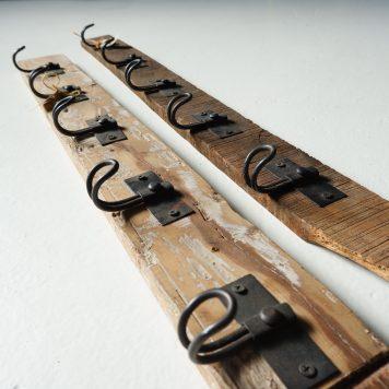 barnwood wandplank met 5 kapstokhaken licht en donker truckwood 5 haken 90 cm breed4