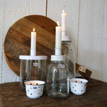 ib-laursen glazen fles kandelaar wit metaal hoog 17 cm hoog 25.5 cm en hoog 16.5 cm candleholder for dinner candle metal lid white10
